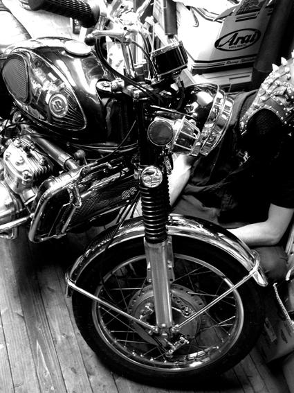 5COLORS 『 君はなんでそのバイクに乗ってるの?』#26_f0203027_197025.jpg
