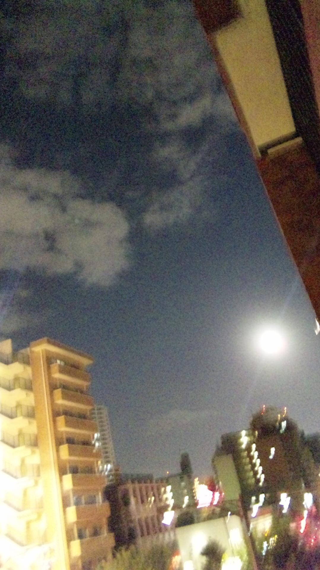 まんまるお月様_d0168331_012317.jpg