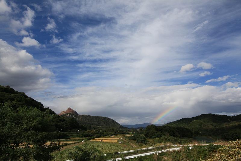 虹がでた 昭和新山_a0160581_1858154.jpg