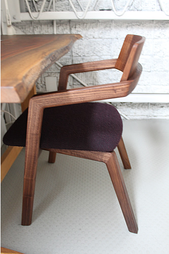 やっと再入荷、無垢の椅子「kukumuku」他_f0176205_11301039.jpg
