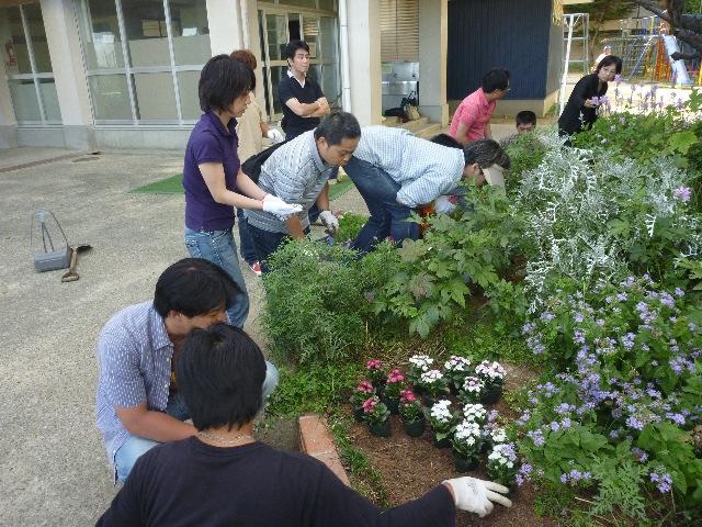 小学校ボランティア&草引き_b0054727_1828432.jpg