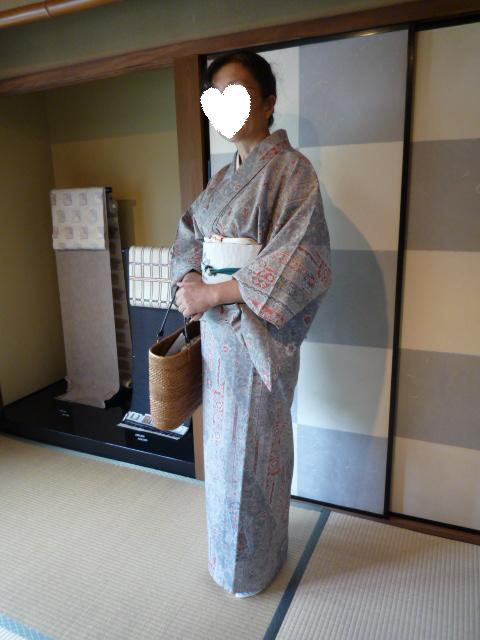 今日のお客様・更紗模様の紬に蔦の葉の帯。_f0181251_17371449.jpg