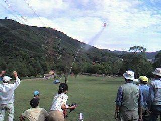 ロケット発射 !_b0102572_1614254.jpg