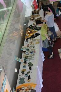 環境と伝統文化のお祭!!パート⑤「再生粘土の陶芸展」2010年7月24日 奈良県新公会堂エントランスにて_c0206588_17103881.jpg