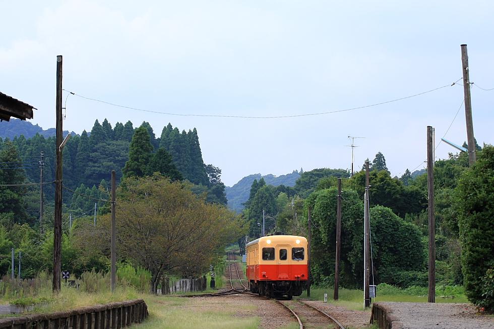 駅が楽しい小湊鉄道(3)_b0190710_2185439.jpg