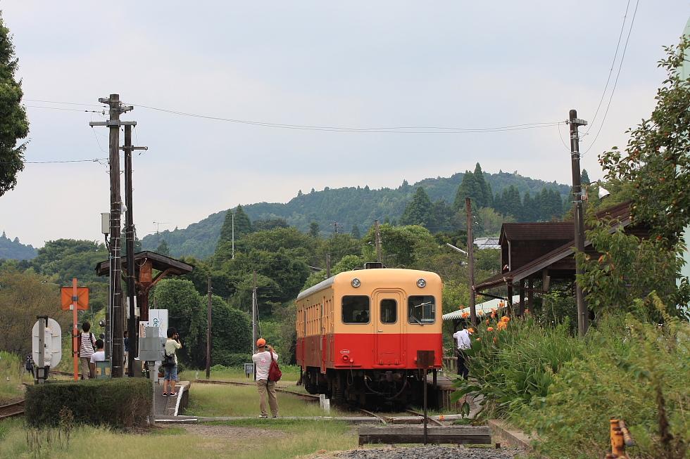 駅が楽しい小湊鉄道(3)_b0190710_2192098.jpg