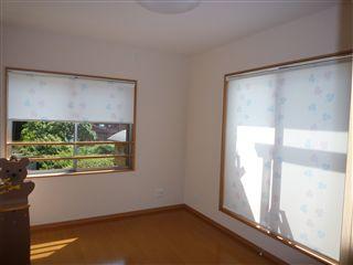 2階の個室をロールスクリーンに・・・_c0131666_23514748.jpg