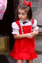 ドイツの民族衣装ってメイドさんのコスプレっぽいかも?_b0007805_1032734.jpg