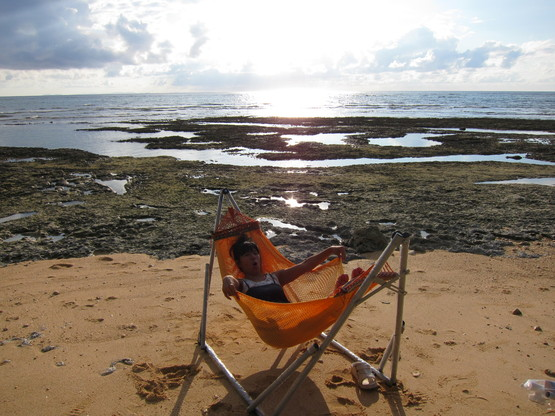 nap on the beach._c0153966_20115256.jpg
