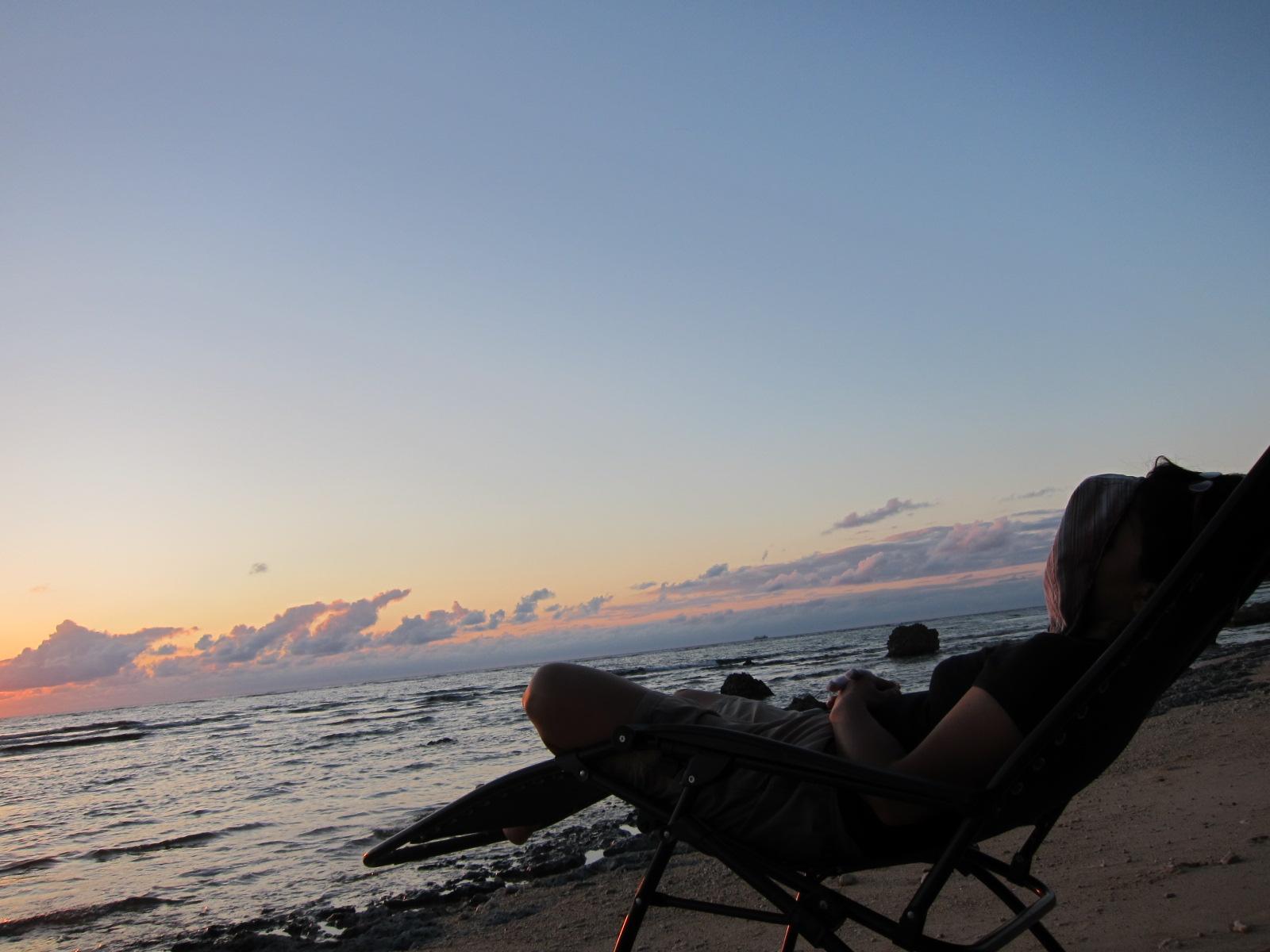 nap on the beach._c0153966_20132099.jpg