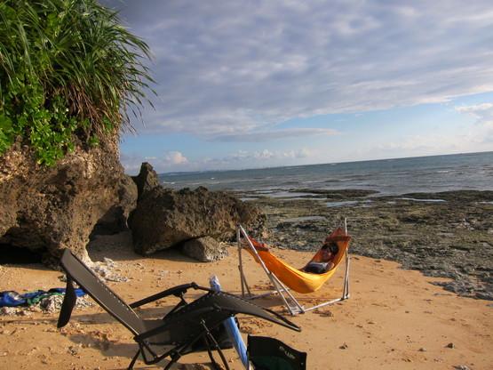 nap on the beach._c0153966_2093454.jpg