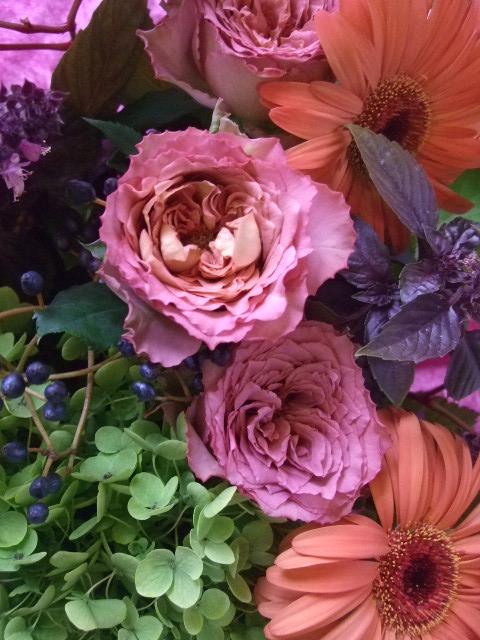 オークリーフ(バラ・テナチュールとガーベラ・セリーナの花束)_f0049672_1633251.jpg