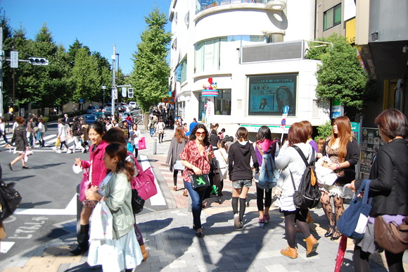 東京散歩、土曜日。_c0180686_964986.jpg
