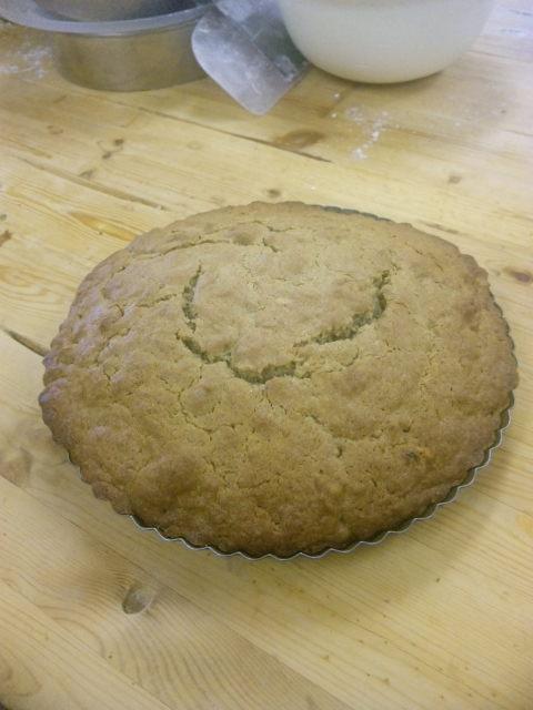黒豆きな粉のケーキも焼きました。_a0072505_853412.jpg