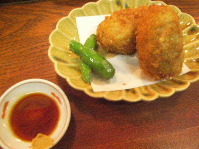 里芋コロッケ、からし醤油で食べて_e0116211_8442712.jpg