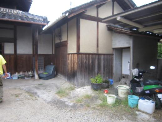 9月27日 玄関付近と外のトイレ_c0103137_20535221.jpg