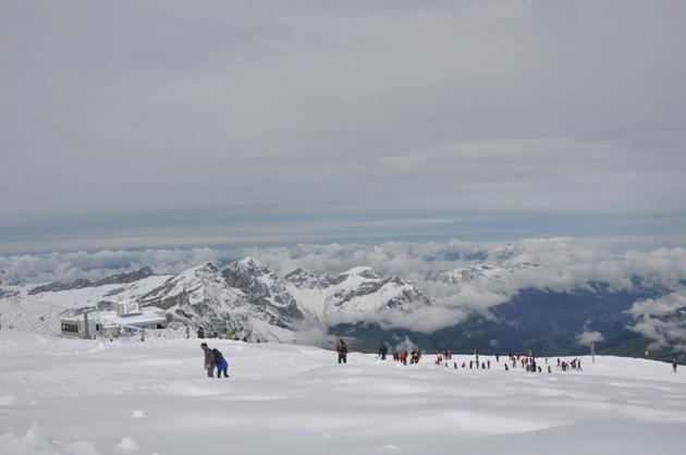標高3020m登頂!今はフランス!_e0171573_4283178.jpg