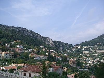 モナコ公国を見下ろす町、ラ・チュルビ_d0116009_2394059.jpg