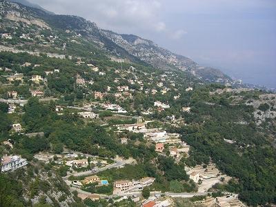 モナコ公国を見下ろす町、ラ・チュルビ_d0116009_2403839.jpg