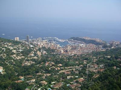 モナコ公国を見下ろす町、ラ・チュルビ_d0116009_2433731.jpg