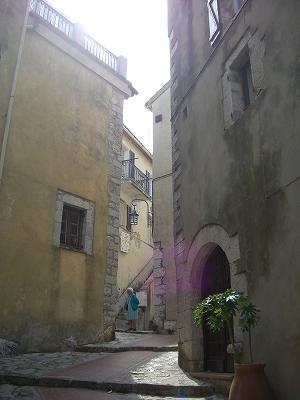 モナコ公国を見下ろす町、ラ・チュルビ_d0116009_311919.jpg