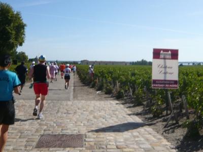 メドックマラソンツアーDay3 メドックマラソン2010 11km~21km_d0113725_2334621.jpg