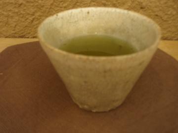 尾形アツシ展    その3    カップで日本茶_b0132442_1651344.jpg