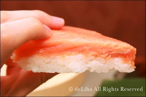 極上のます寿司☆「扇一 ます寿し本舗」*富山県*_c0131054_12354063.jpg