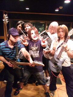 皆様!!僕達DIXIESは新曲をUPしました!!_f0236990_0114532.jpg
