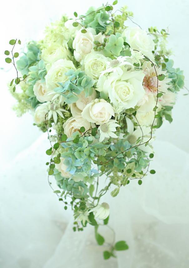 セミキャスケードブーケ 軽井沢へ 花は、お任せで_a0042928_2112128.jpg
