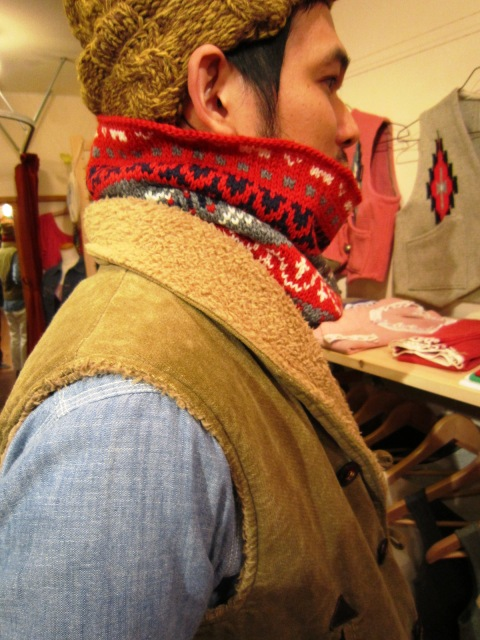 """FAIRISLE NECK WARMER\"" & \""Jacquad V-Neck Dardigan\""_f0191324_2425157.jpg"