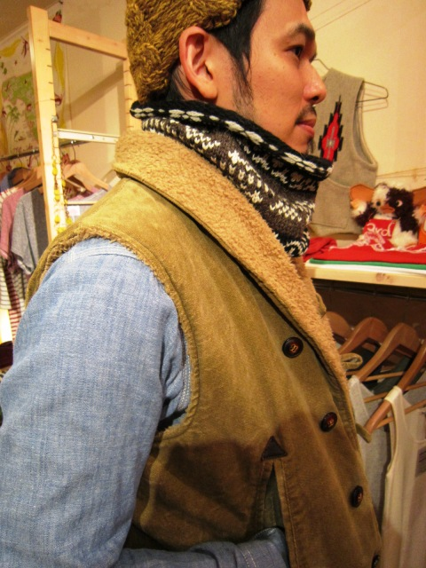 """FAIRISLE NECK WARMER\"" & \""Jacquad V-Neck Dardigan\""_f0191324_2433610.jpg"