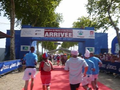 メドックマラソンツアーDay3 メドックマラソン2010 31km~完走!_d0113725_4174838.jpg