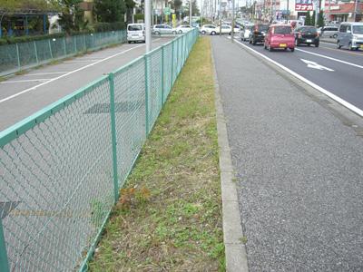 ガードレール設置へ(今年度・花見川団地)_a0162505_11225078.jpg