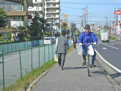 ガードレール設置へ(今年度・花見川団地)_a0162505_11231527.jpg