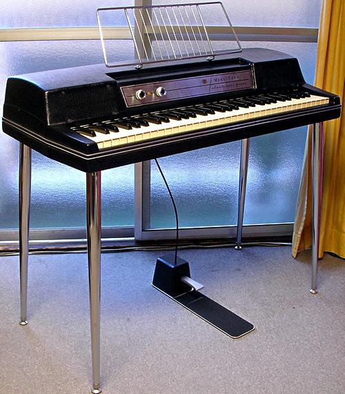 Wurlitzer 200A_e0045459_17314490.jpg