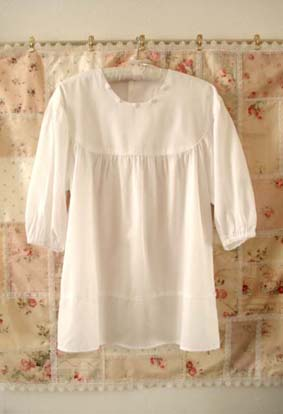 タブリエ風・白のチュニック&リボンのジャンパースカート…_f0182167_21443018.jpg