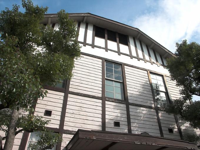 東リ旧本館事務所_f0116479_2238265.jpg