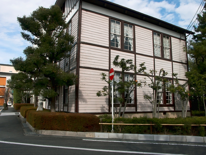 東リ旧本館事務所_f0116479_223903.jpg