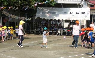 ** 幼稚園の運動会 **_d0147488_11382177.jpg