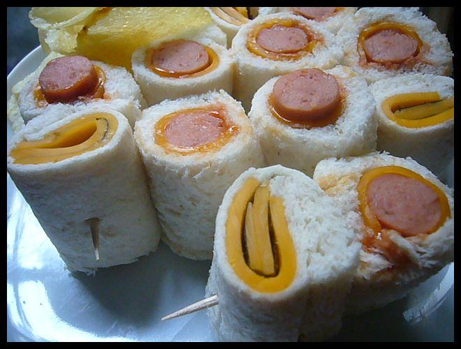 【サンドイッチ】(海苔NORI+チーズFROMAGE)巻きサンドが美味しい!(PARIS)_a0014299_1743564.jpg