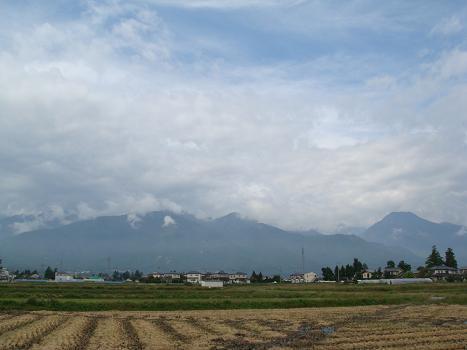 雨上がりの山にあいさつを_a0014840_22532412.jpg