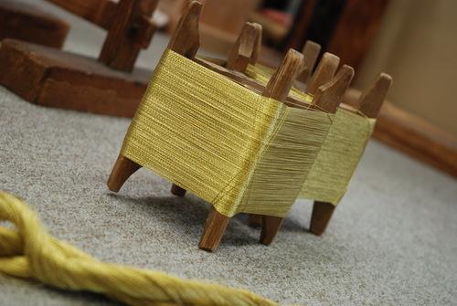 金銀糸の糸くり、手作業でやってます^^_d0176048_1631691.jpg