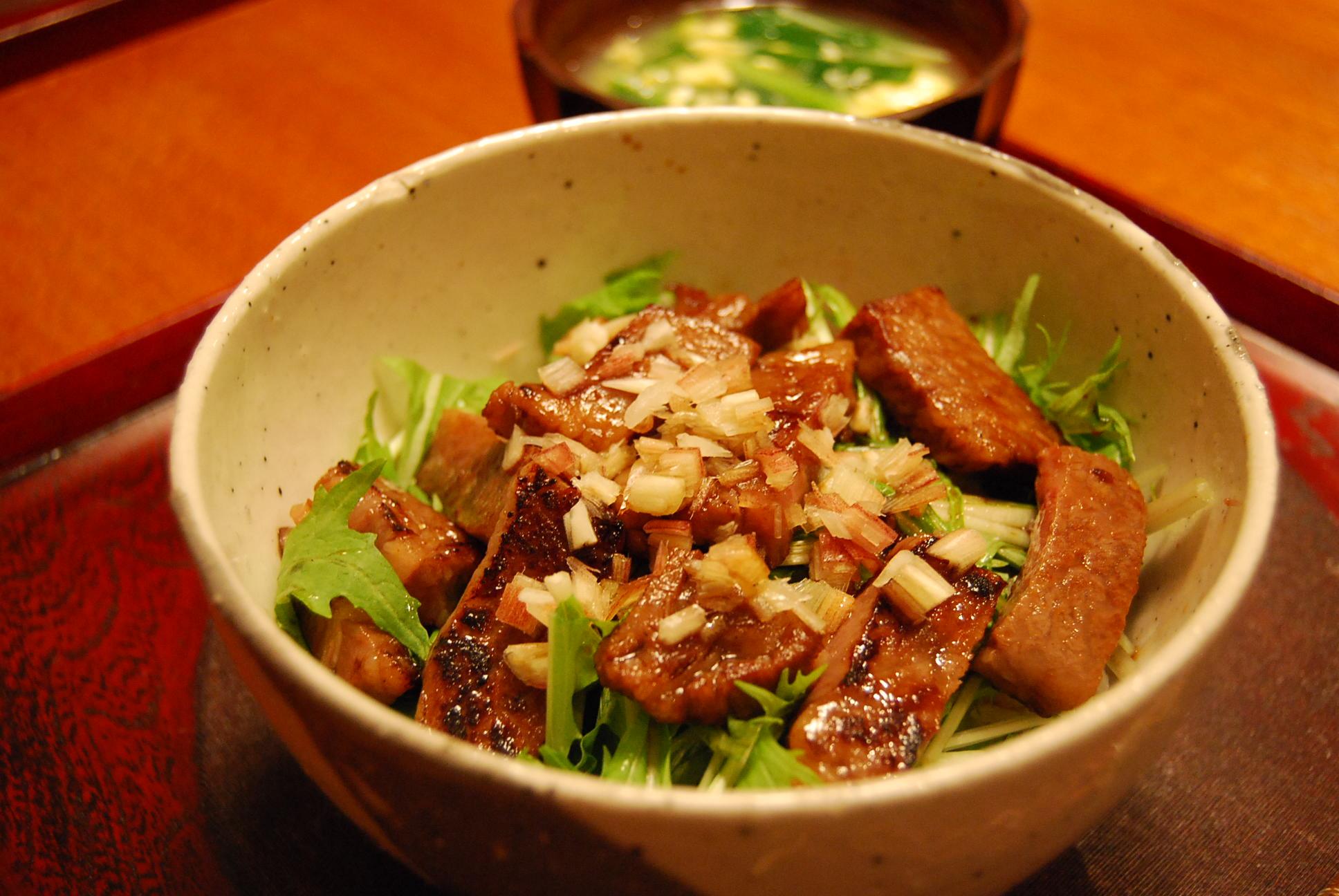 ステーキ丼_e0142956_10305258.jpg