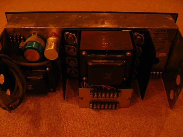 アルテックシアターのアンプ_e0080678_10405251.jpg