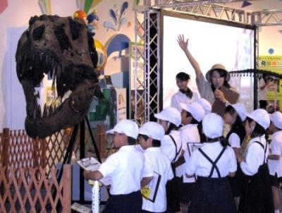 """キッズプラザ大阪で""""恐竜ワンダーランド""""_f0229508_1511090.jpg"""
