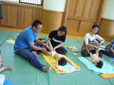 東福寺保育園 ベビーヨガ_a0111125_1834856.jpg