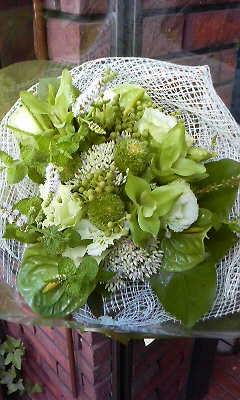 グリーンいっぱいの花束_c0137266_21201712.jpg