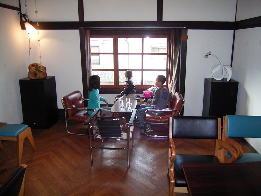 salon as salonとtonico_e0206496_821282.jpg