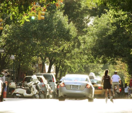 初秋のブリーカー通り(Bleecker St)沿いの風景_b0007805_1431048.jpg